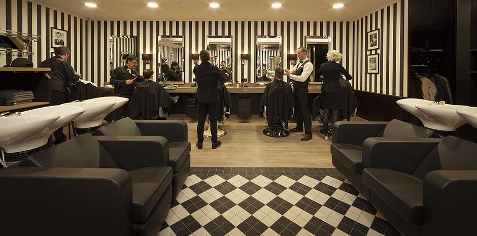 Jjmaes kapsalon inrichting en meubilair for Kappersinterieur